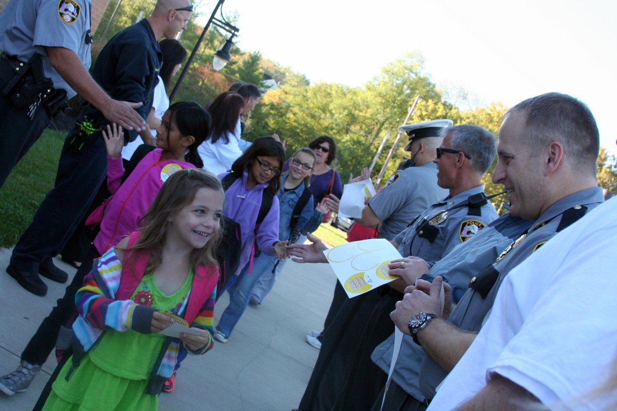 Sharonville Elementary Walk to School Day